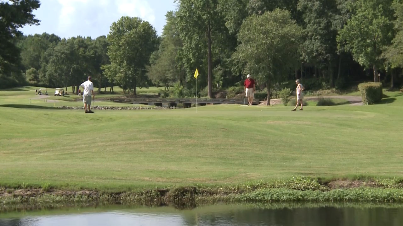 River Hills Golf and Country Club Best Hole - Spotlight