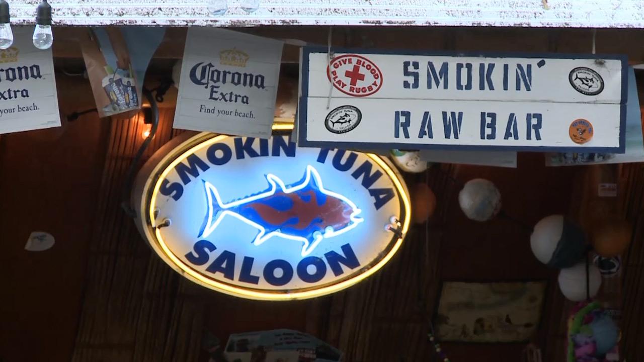 Smokin' Tuna Saloon - Nightlife