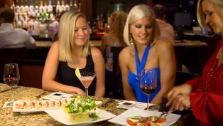 Best Restaurants for Dining at the Bar in the Florida Keys - Top 5