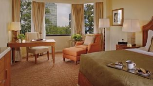 We Like to Stay Here: Ritz-Carlton Atlanta Buckhead