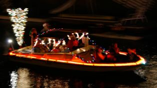 Florida's Winter Wonderland - Santa Arrives by Boat