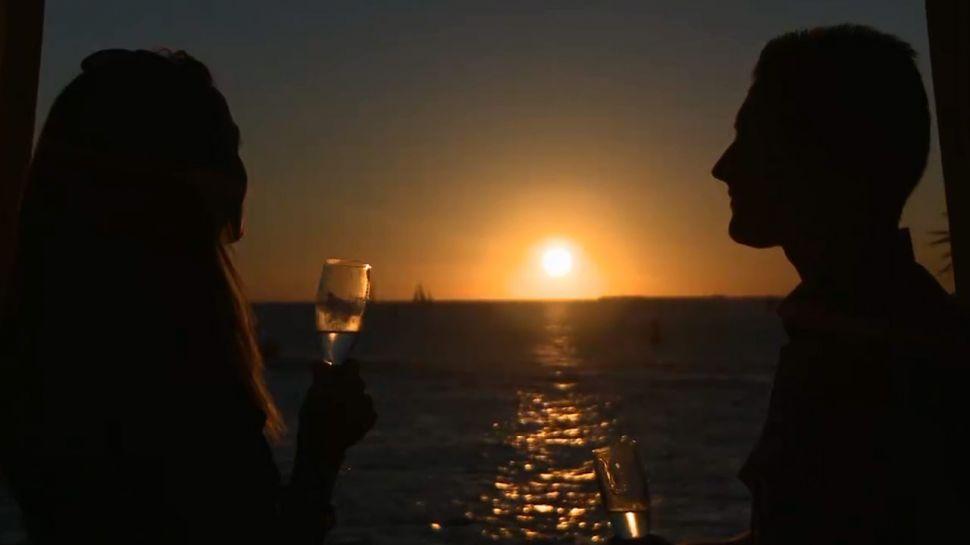 Liquid Lounge at Sunset Pier