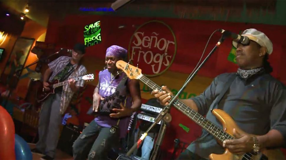 Senor Frogs - Club Hour