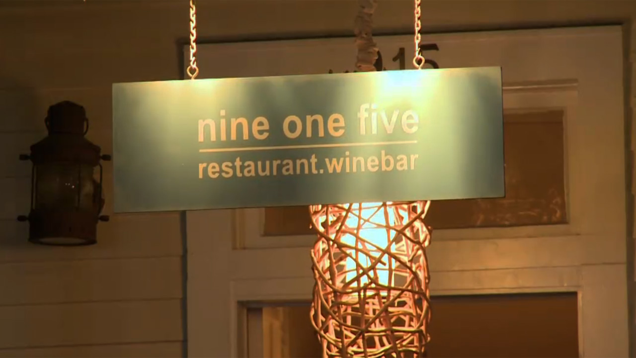 915 Restaurant and Bar