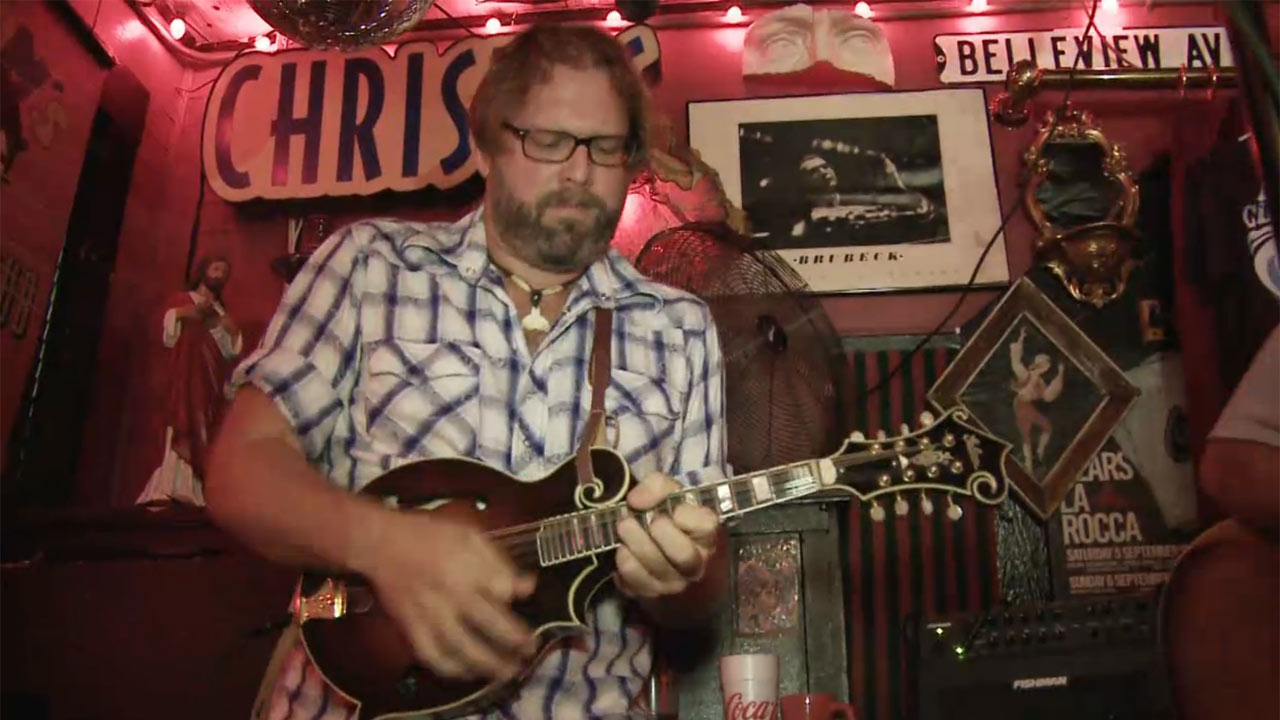 Dread Clampitt at Red Bar - Music Scene