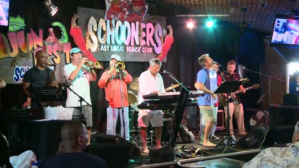 Heat and the Zydeco Gents at Schooners