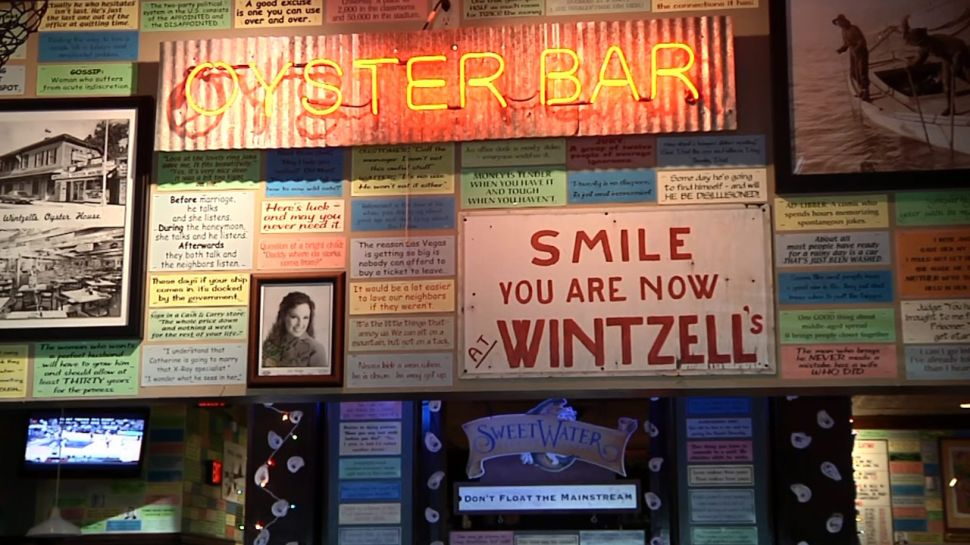 Wintzell's Oyster House - Nightlife