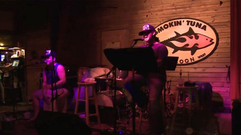 Smokin' Tuna  Charlie Bauer - Music Scene